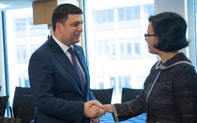 Гройсман похвалився, що роздобув величезну суму для України