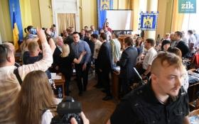Заворушення у Львові: з'явилися нові відео сутичок у міськраді