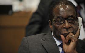 """""""Вічний"""" президент Зімбабве погодився піти у відставку"""
