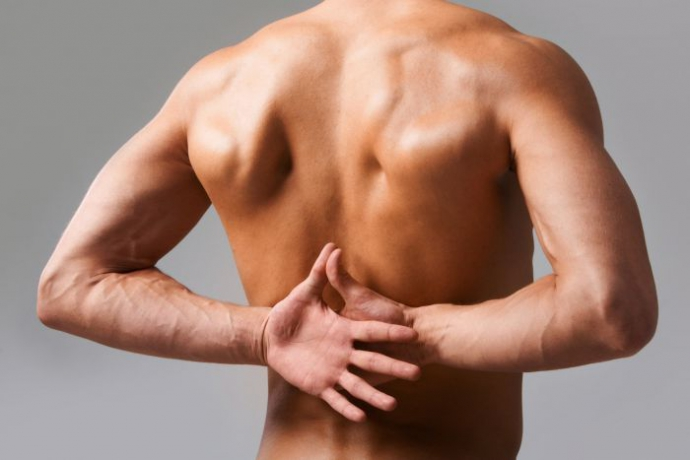 Вчені розповіли про кращий спосіб боротьби з болем у спині