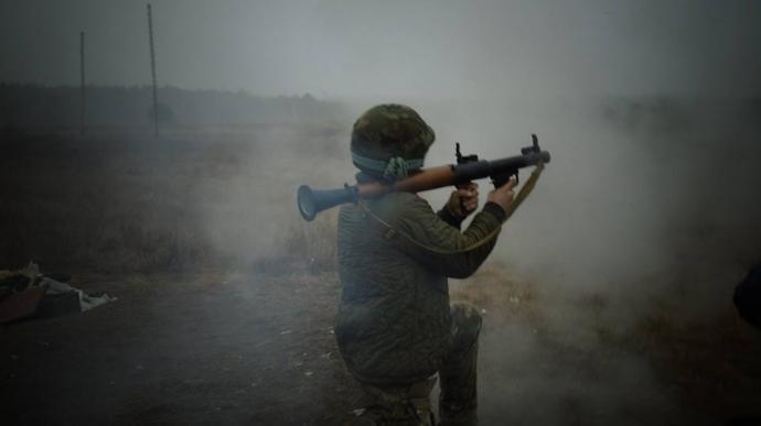 Украинских бойцов заставляли подметать лес, а на базу Нацгвардии пускали кого попало - Цви Ариэли (2)