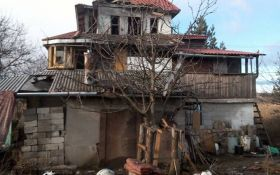 """Боевики """"ДНР"""" обстреляли дома мирных жителей Донбасса: опубликованы фото последствий"""