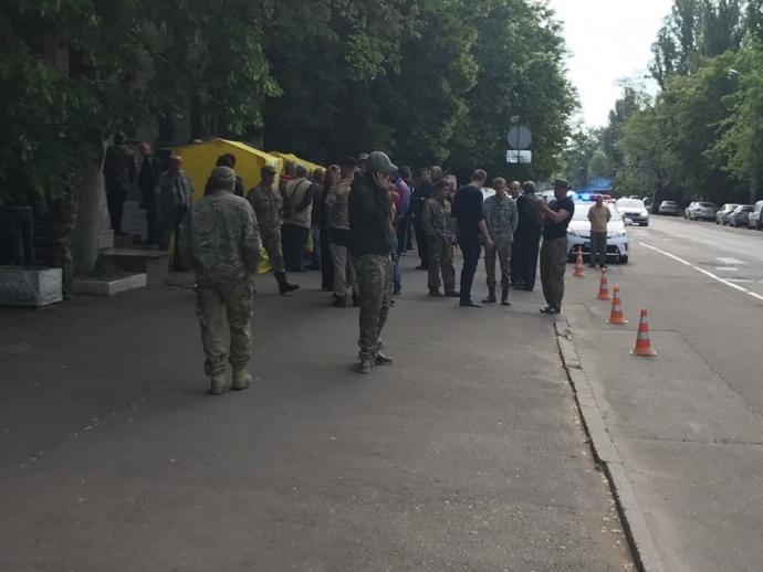 Неизвестные захватили кабинет главы Госслужбы геологии и недр Украины: появились фото (1)