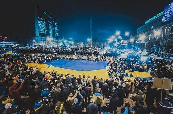 В соцсетях вспомнили большой проукраинский митинг в Донецке в 2014-м: опубликованы фото (1)
