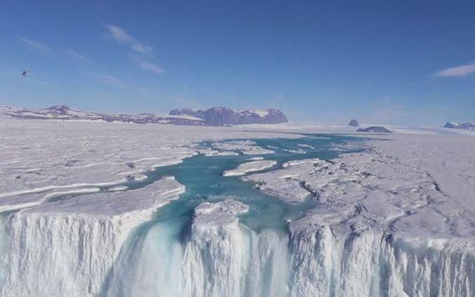 Ученые показали, как тают ледники в Антарктиде: появилось впечатляющее видео