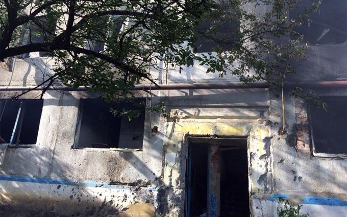 Бойовики ДНР обстріляли житлові будинки під Донецьком: з'явилися фото