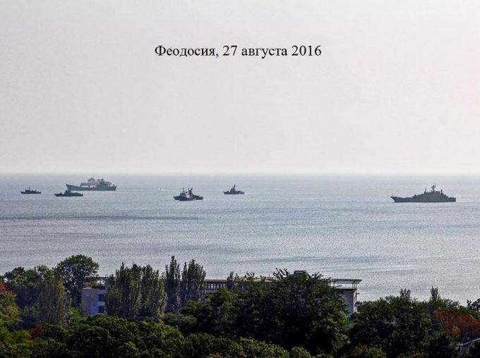 Путін нашпиговує Крим бойовою технікою: з'явилися нові фото і відео (1)