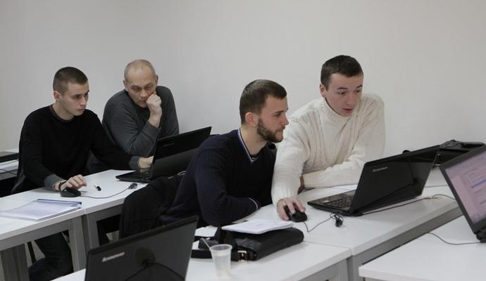 Бійці АТО з Дніпропетровська успішно закінчили IT-курси