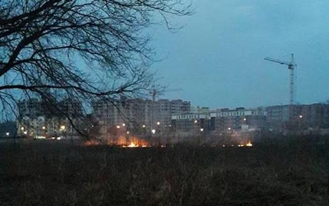 Под Киевом снова загорелся торфяник: опубликованы фото