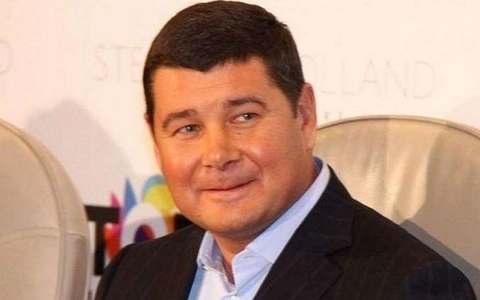 Интерпол отказался объявлять врозыск Александра Онищенко