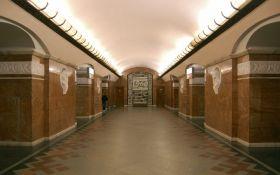 В Киеве вспыхнул громкий скандал из-за незрячего в метро
