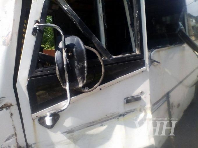 У ДТП з військовими на Донбасі постраждали 12 осіб: опубліковані фото (1)