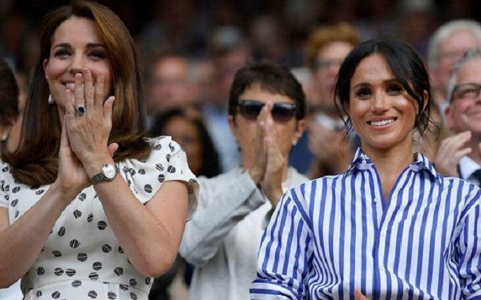 Кейт Миддлтон и Меган Маркл впервые вместе вышли в свет: опубликованы фото