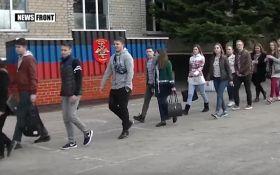 Учат юных террористов: появился грустный видеоролик с боевиками ДНР