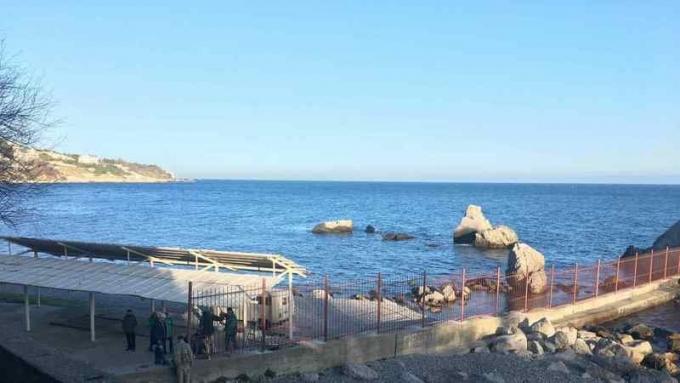 Был курорт, теперь зона: жители Крыма в шоке от нового решения оккупантов (2)