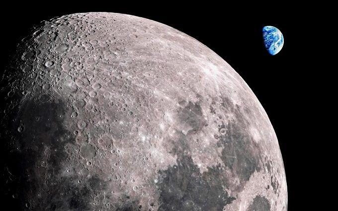 Стала известна дата полета на Луну первых космических туристов