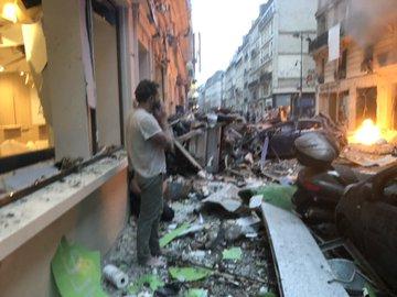 У центрі Парижа прогримів потужний вибух, є постраждалі: перші подробиці і фото (2)