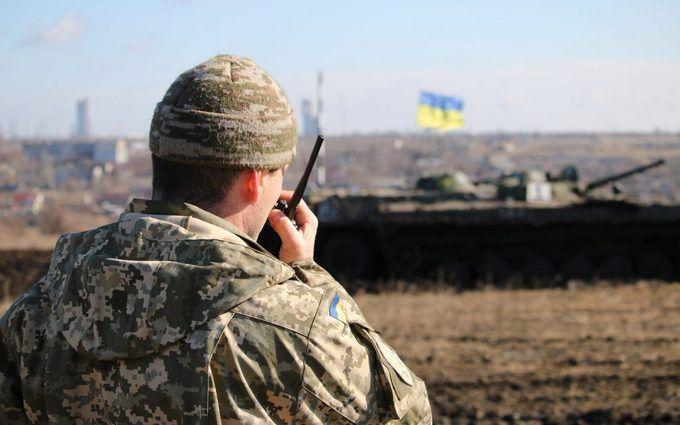 На Донбасі тривають запеклі бої: поранені декілька українських бійців