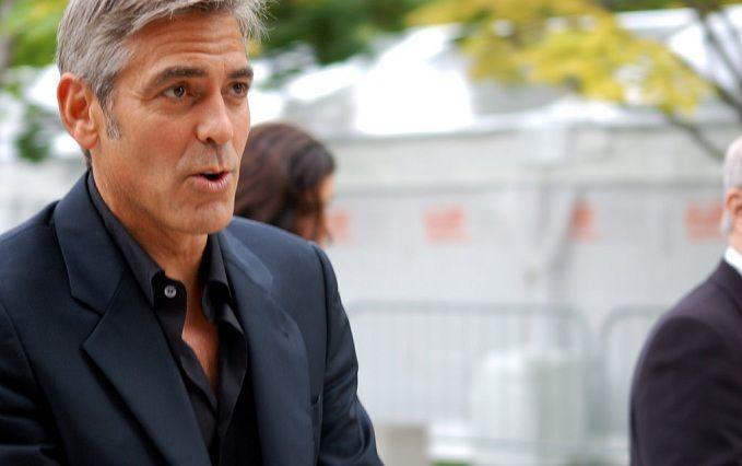 Джордж Клуні потрапив у ДТП: опубліковано шокуюче відео
