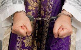 СМИ: в Германии священники изнасиловали несколько тысяч детей