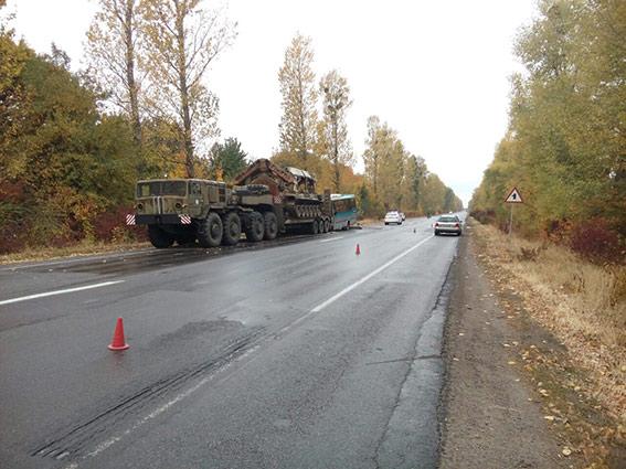 Під Вінницею зіткнулися автобус і військовий тягач, багато постраждалих: з'явилися фото і відео (1)