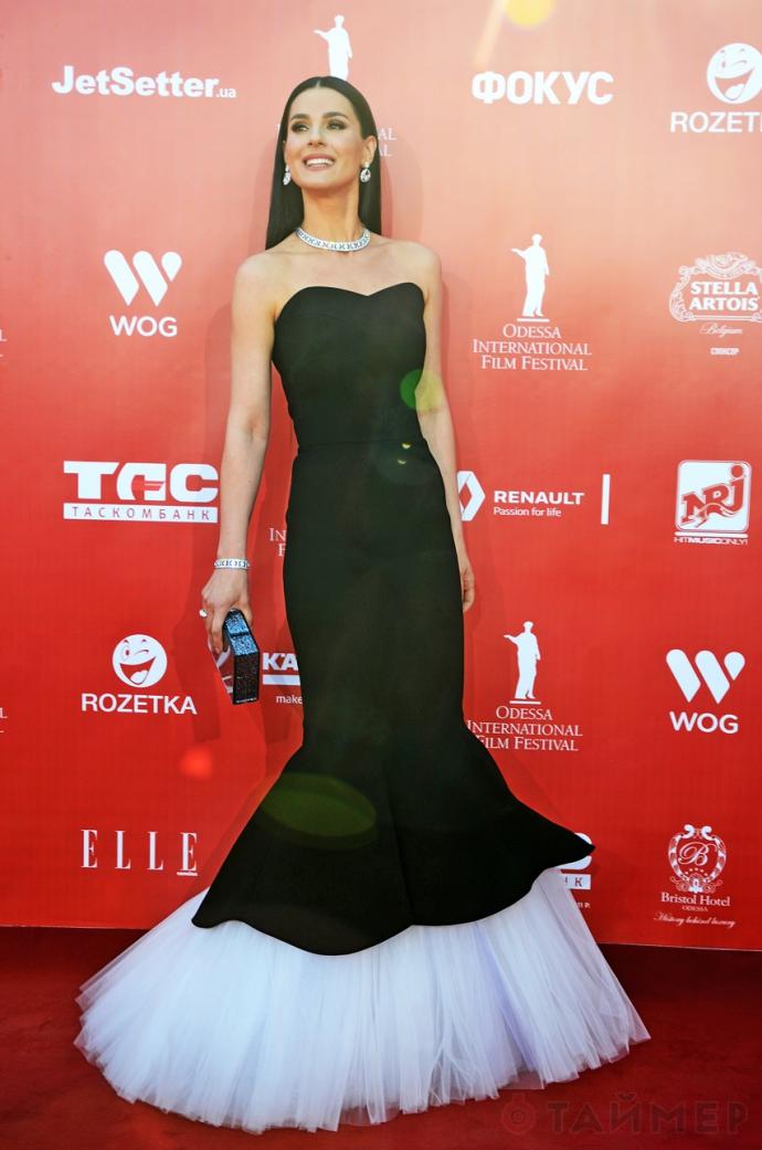 На Одеському кінофестивалі зірки блищали вбранням: опубліковані фото (1)