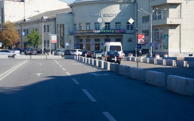 На Подоле в Киеве создали экспериментальную пешеходную зону: появились фото (4)