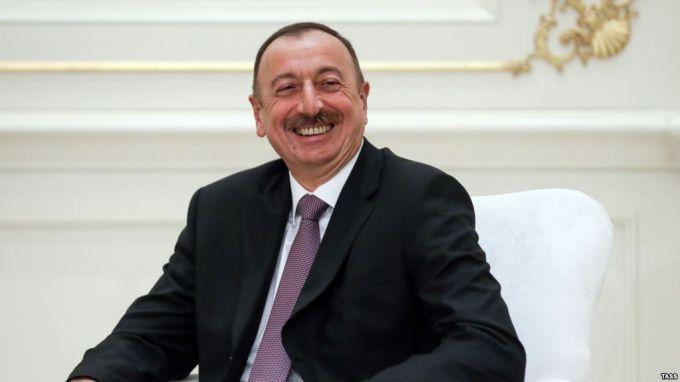 Алиев объявил досрочные выборы президента в Азербайджане