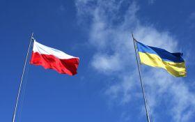 Очередной инцидент: в Польше резко прокомментировали подрыв автобуса возле Львова