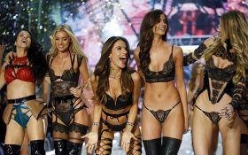 Это нужно увидеть: Victoria's Secret представили белье за миллион долларов