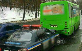 У Харкові авто поліції влетіло в маршрутку: опубліковані фото