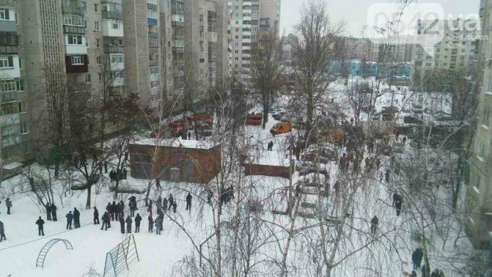 Взрыв квартиры в Сумах: появились фото и видео (4)