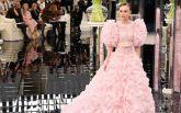 Дочь Деппа закрыла показ Chanel на Неделе моды в Париже: фото и видео новой коллекции