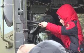 В оккупированном Крыму детям привезли военную технику: появилось видео