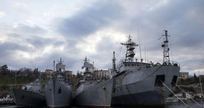 Купа металобрухту: в мережі показали, на що перетворили окупанти українські кораблі в Криму