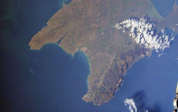 Ни нашим, ни вашим: агентство Bloomberg опубликовало странную карту с Крымом