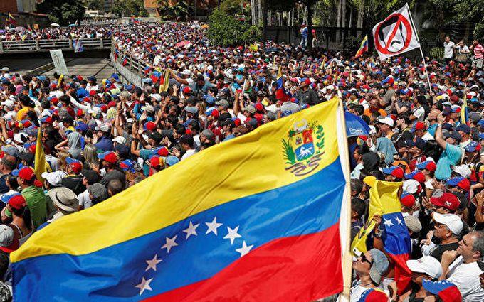Протести в Венесуелі: Путін направив сотні найманців на захист Мадуро