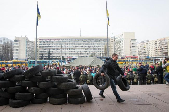 В Киеве водители маршруток подрались с полицейскими: появились фото (1)