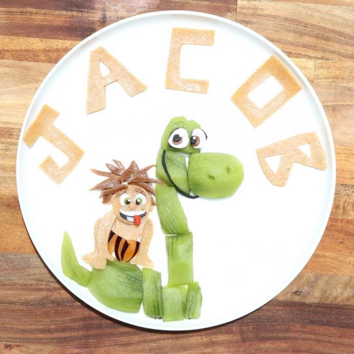 Мама создает для сына мультики в тарелке: яркие фото (1)