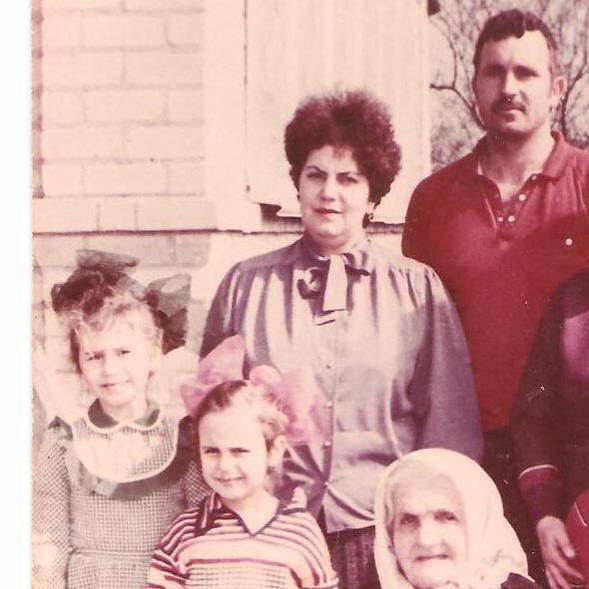 """""""Помним о трагедии"""": Джамала показала архивные фото своей крымскотатарской семьи (2)"""