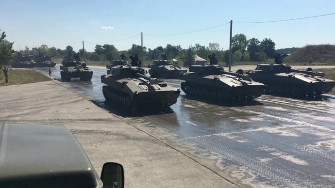 У Порошенка похвалилися фото українських танків (1)