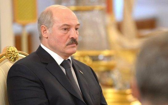 От Лукашенко срочно требуют новых выборов - что происходит