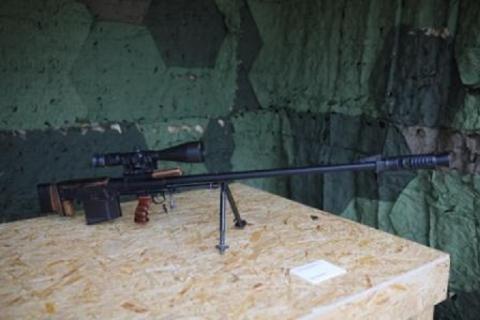 Київський завод Маяк забезпечить українських військових великокаліберною снайперською зброєю