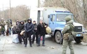 Питання зрушилося з мертвої точки: з в'язниць ОРДЛО в Україну перевели перших засуджених
