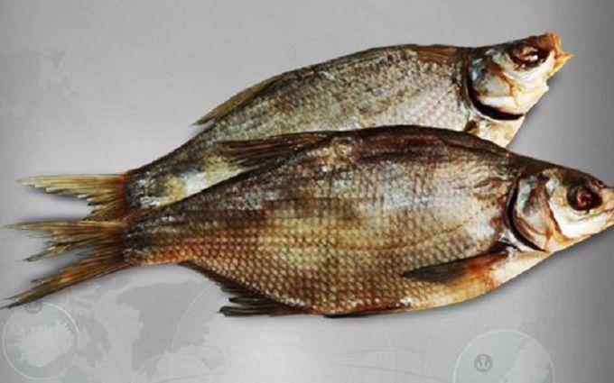 После рыбки изстоличного маркета мужчина оказался вреанимации— Ботулизм