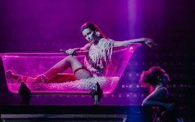 Скандальна українська артистка похвалилася новим грандіозним шоу: опубліковано відео
