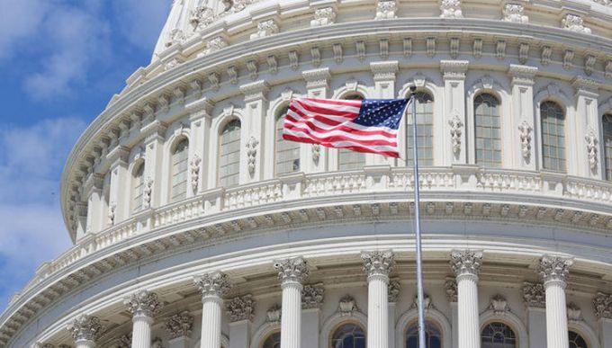 Сенат США соберется наэкстренное совещание ввоскресенье для восстановления работы руководства