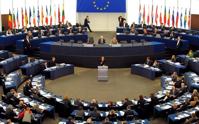 Безвізовий режим з ЄС: Україну відсунули на другу позицію