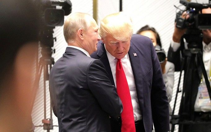 Путин запугал Трампа - экс-главы ЦРУ и Нацразведки