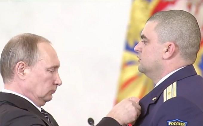 Путин похвалил и наградил убийц мирных людей в Сирии: опубликованы фото